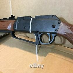 Daisy Powerline 880S Airgun. 177 BB Pellet Gun Rifle. 177 4x15 Scope Multi Pump