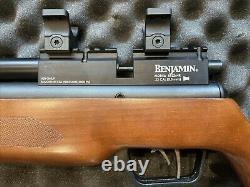 Benjamin Marauder Air Rifle. 22 Avec Lothar Walther Barrel, Picatinny Rail, & Case